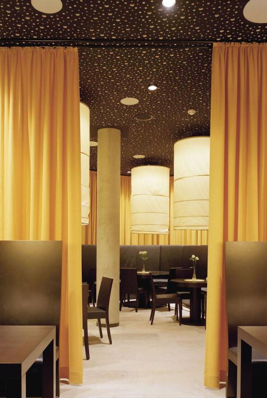 Wandelbares restaurant opgen rhein in oberhausen for Innenarchitektur oberhausen