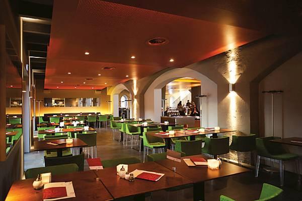 Ehem martinikirche gastronomie gl ckundseligkeit in for Gastronomie architektur