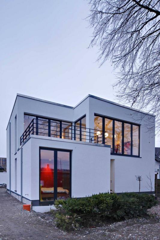 haus ruhrbogen in hattingen architektur baukunst nrw. Black Bedroom Furniture Sets. Home Design Ideas