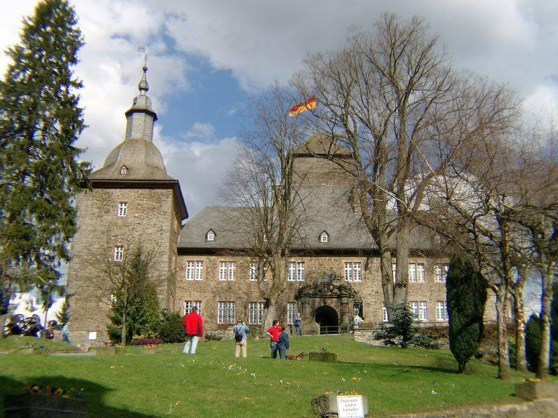 Burg Schnellenberg Attendorn in Attendorn, Architektur