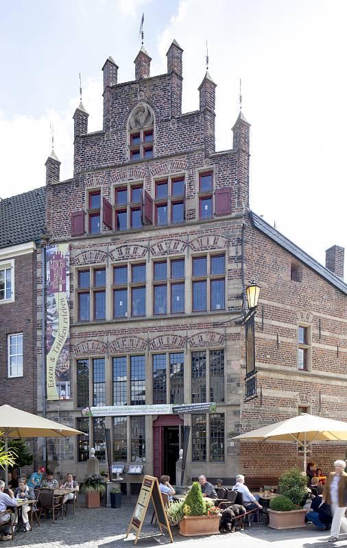 Gotisches haus xanten in xanten architektur architektur for Fenster xanten