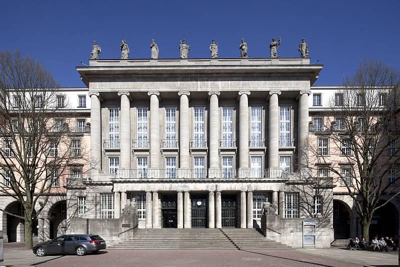 Rathaus aachen for Hotel wuppertal barmen