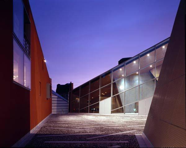 Quellhaus kaiserbad in aachen architektur baukunst nrw for Architektur aachen
