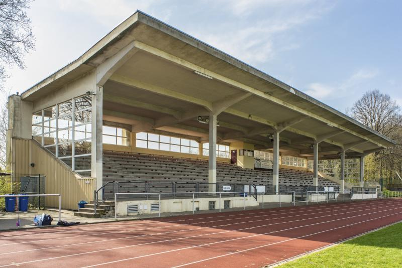 Tribüne im Stadion Reinshagen