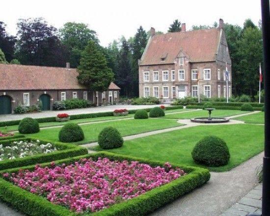 Villa winkel ochtrup architektur baukunst nrw for Gartenanlagen bilder