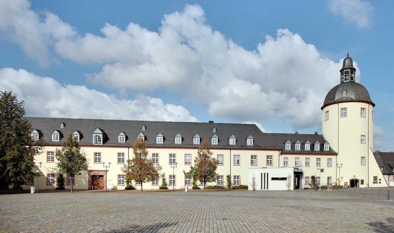 Unteres schloss siegen siegen architektur baukunst nrw - Architektur siegen ...